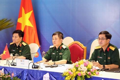 Trung tướng Vũ Chiến Thắng, Cục trưởng Cục Đối ngoại, Bộ Quốc phòng Việt Nam, Trưởng ADSOM WG Việt Nam chủ trì hội nghị