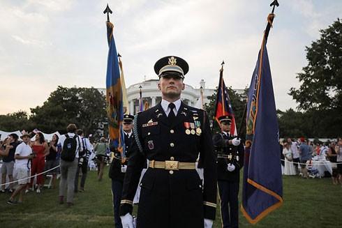 Bộ trưởng Quốc phòng Mark Esper cho biết Lầu Năm Góc điều 1.700 binh sĩ hỗ trợ tổ chức Ngày Quốc khánh