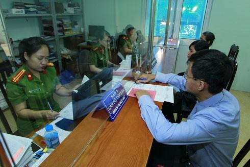 CAQ Bắc Từ Liêm đẩy mạnh công tác cải cách hành chính với nhiều cách làm hay, sáng tạo, phục vụ tốt nhu cầu ngày càng cao của nhân dân. Ảnh: LAM THANH