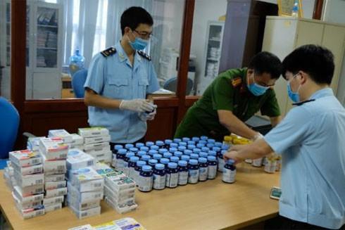 Cục Hải quan Hà Nội phối hợp cùng các đơn vị nghiệp vụ của Bộ Công an và CATP Hà Nội phá chuyên án, bắt nhómnghi phạmvận chuyển 19 kgma túy từ Đức về Việt Nam ở Sân bay Nội Bài