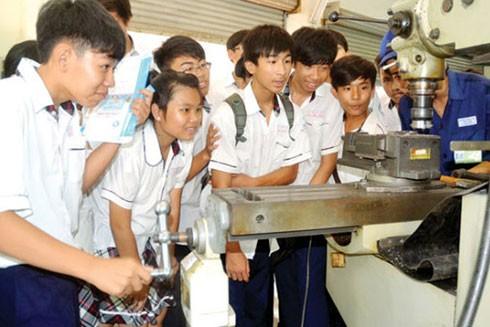 Học sinh tốt nghiệp THCS được học nghề kết hợp học văn hóa và sẽ liên thông lên các trình độ cao hơn