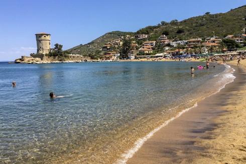 Gần 800 cư dân trên đảo Giglio, Italia chỉ có 1 người có kháng thể với virus SARS-CoV-2