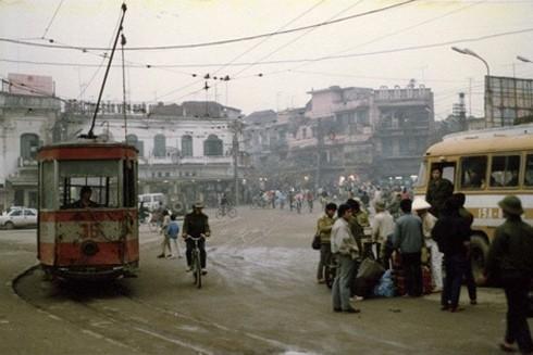 Những chiếc xe buýt đầu tiên của Hà Nội ảnh 2