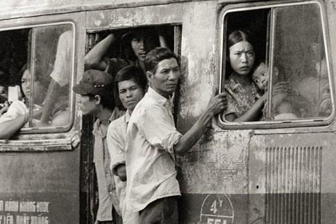 Những chiếc xe buýt đầu tiên của Hà Nội ảnh 1