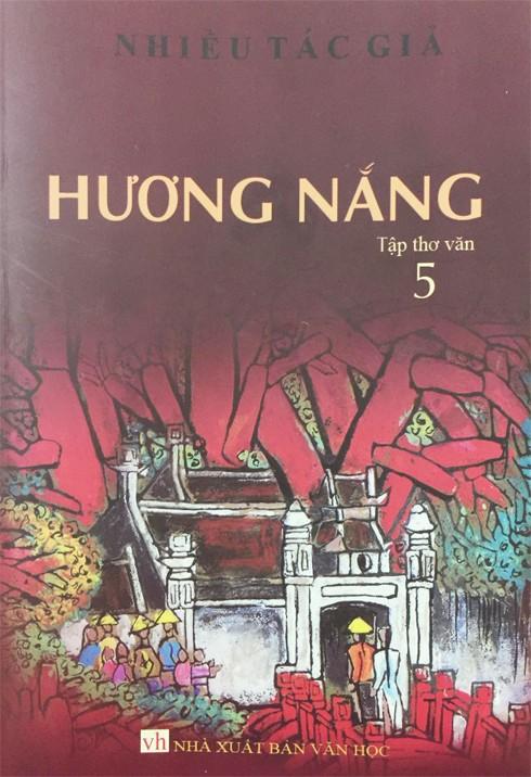 Bìa tập thơ văn Hương Nắng 5 của Nhà xuất bản Văn học vừa ra mắt