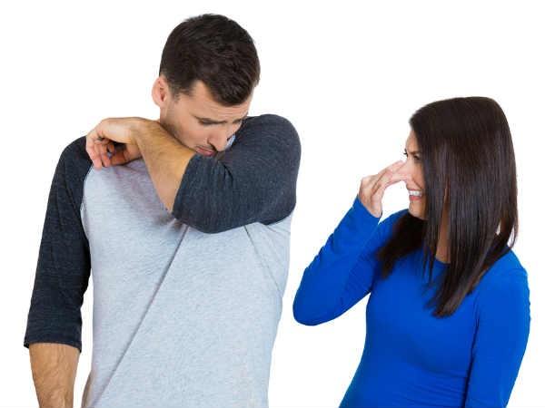 Những thói quen xấu của chồng khiến vợ khó chịu ảnh 1