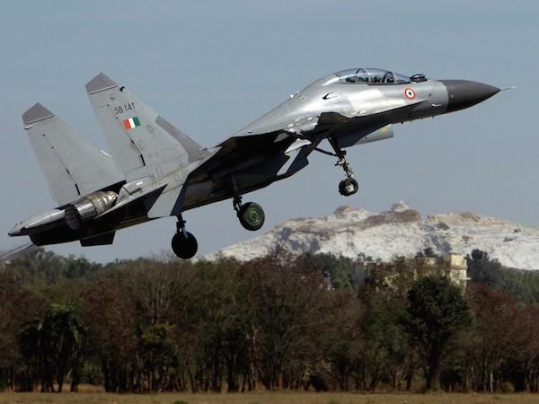 Nga-Ấn Độ thảo luận về việc hiện đại hoá chiến đấu cơ Su-30MKI ảnh 1