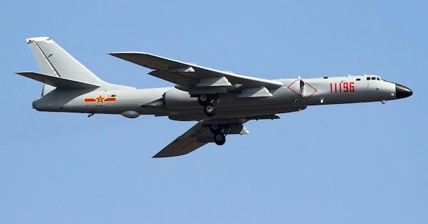 Máy bay ném bom H-6K có thể tấn công mọi mục tiêu tại châu Á-Thái Bình Dương ảnh 2