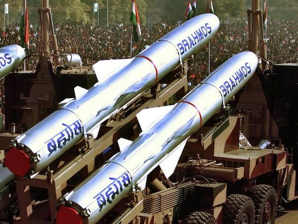 Nga-Ấn tập trung phát triển phiên bản cỡ nhỏ của tên lửa BrahMos ảnh 1
