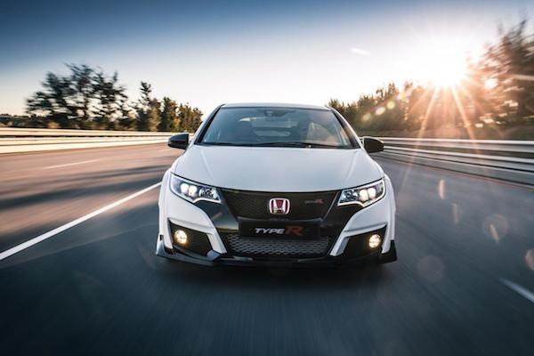 Honda Civic Type R 2015: Kiểu dáng thể thao, động cơ mạnh mẽ ảnh 3