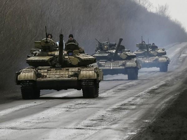 Quân đội Ukraine được bổ sung thêm nhiều xe tăng T-64 mới nâng cấp