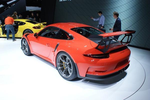 Porsche 911 GT3 RS: Giảm trọng lượng, tăng sức mạnh ảnh 2