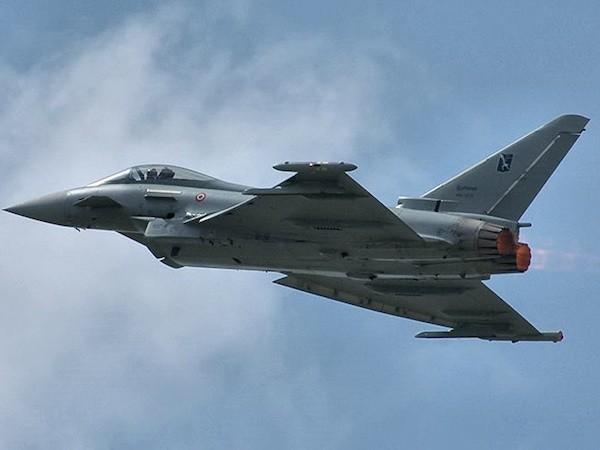 Eurofighter Typhoon của Ý xuất kích chặn máy bay Nga tại biển Baltic ảnh 1