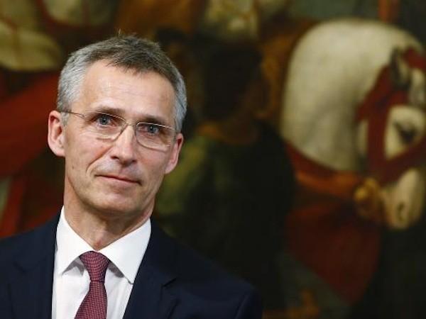 NATO cáo buộc Nga vẫn hỗ trợ cho lực lượng li khai Ukraine ảnh 1