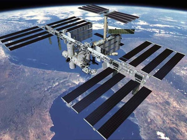Nga cho rằng việc đưa vũ khí lên không gian sẽ ảnh hưởng hoà bình thế giới