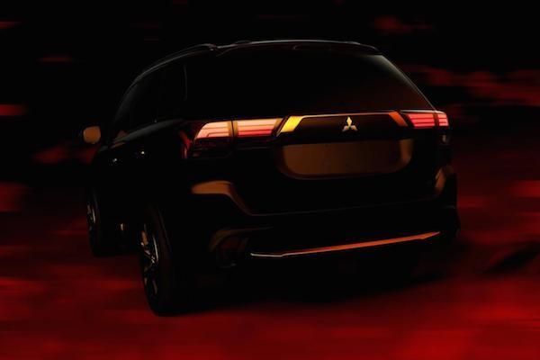Mitsubishi tung ảnh teaser, hẹn ra mắt Outlander 2016 vào 2-4 ảnh 2