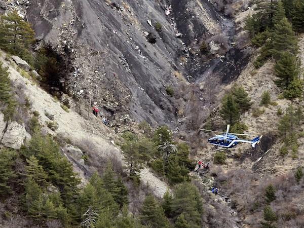 Thêm bằng chứng cho thấy phi công Germanwings cố tình đâm máy bay vào núi ảnh 1