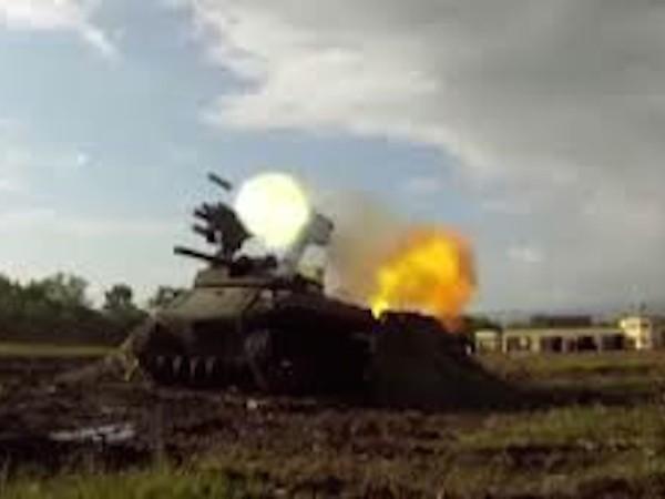 Robot chiến đấu của Nga với trang bị súng máy, súng cối và tên lửa chống tăng