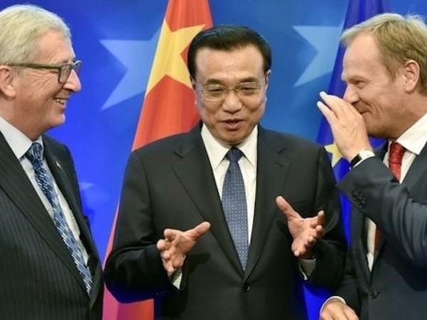 Thủ tướng Lí Khắc Cường (giữa) cam kết Trung Quốc sẽ cắt giảm khí thải trong tương lai