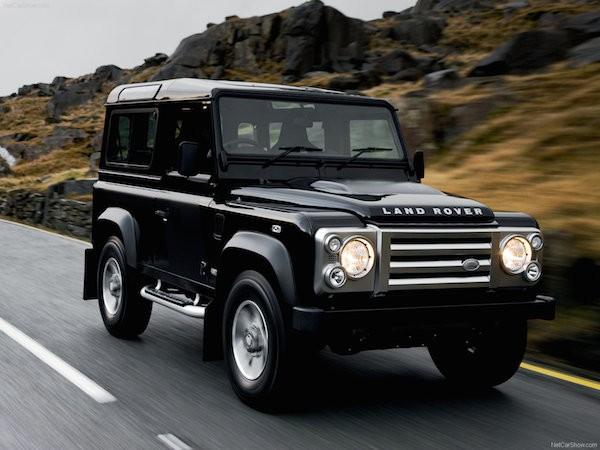 """Nhu cầu lớn, Land Rover Defender có thể được kéo dài """"tuổi thọ"""" ảnh 1"""