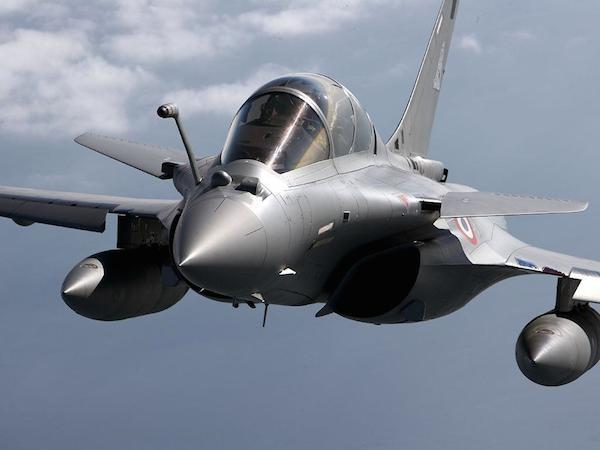 Pháp bàn giao 3 chiến đấu cơ Rafale đầu tiên cho Ai Cập ảnh 1