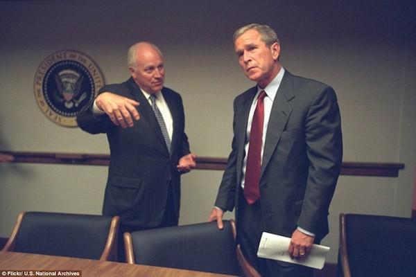 Chùm ảnh chưa từng công bố về phản ứng của nhà Trắng sau vụ khủng bố 11-9 ảnh 5