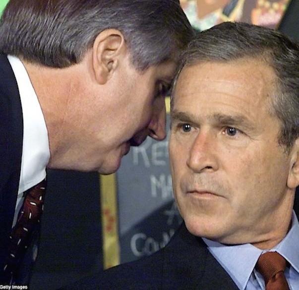 Chùm ảnh chưa từng công bố về phản ứng của nhà Trắng sau vụ khủng bố 11-9 ảnh 19