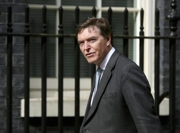 Bộ trưởng Trang bị, hậu cần và công nghệ quốc phòng Anh Philip Dunne