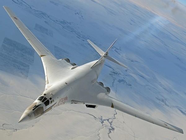 """""""Thiên nga trắng"""" Tu-160M2 hoạt động hiệu quả gấp đôi phiên bản cũ ảnh 1"""