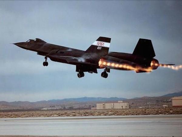 Trung Quốc đang thử nghiệm máy bay siêu thanh mới? ảnh 1
