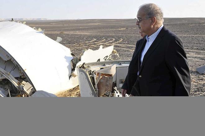 Chùm ảnh hiện trường vụ rơi máy bay Nga tại Ai Cập ảnh 1