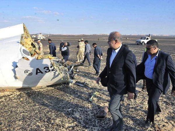 Chùm ảnh hiện trường vụ rơi máy bay Nga tại Ai Cập ảnh 2
