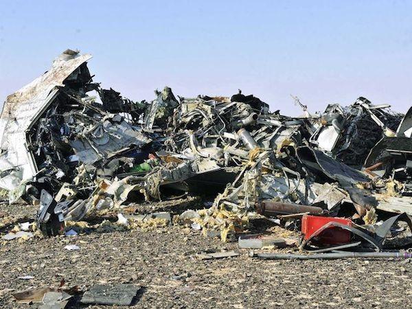 Chùm ảnh hiện trường vụ rơi máy bay Nga tại Ai Cập ảnh 4