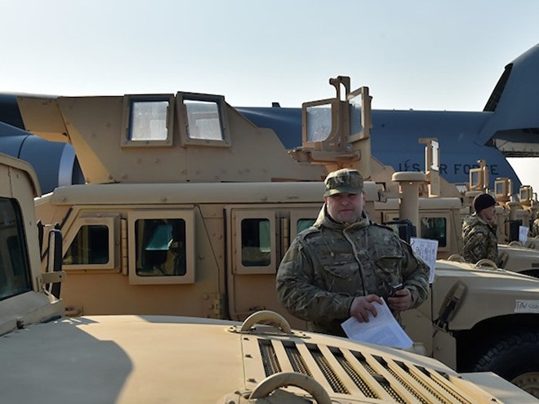 Các xe Humvee Mỹ bàn giao cho Ukraine đều đã qua sử dụng từ 20 đến 30 năm