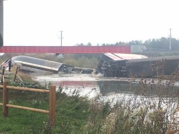 Tàu cao tốc Pháp trật bánh, 5 người thiệt mạng ảnh 2