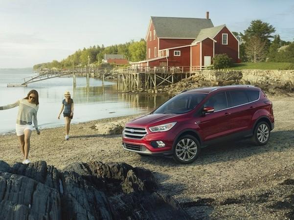 Ford Escape 2017 có thiết kế thanh thoát hơn phiên bản cũ