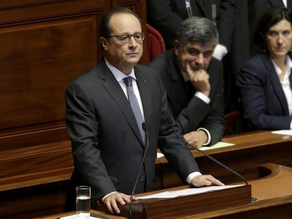 Tổng thống Pháp Francois Hollande phát biểu trước quốc hội vào 16-11