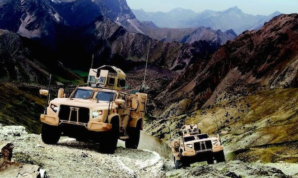 Oshkosh chuyên sản xuất xe tải, xe chống mìn cho quân đội Mỹ