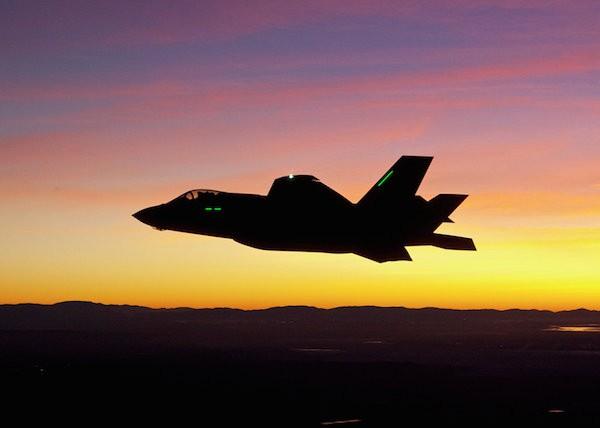 Giá cổ phiếu các hãng vũ khí lớn tăng vọt sau vụ khủng bố Pháp ảnh 3