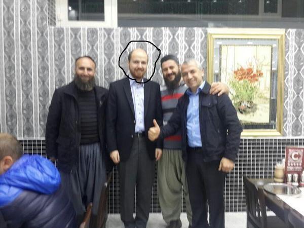 Lộ ảnh con trai Tổng thống Thổ Nhĩ Kì ăn tối với lãnh đạo IS? ảnh 2