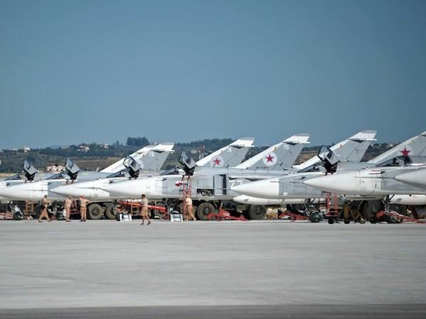 Các máy bay Nga tập kết tại căn cứ Khmeimim