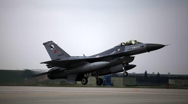 Một chiến đấu cơ F-16 của Thổ Nhĩ Kỳ
