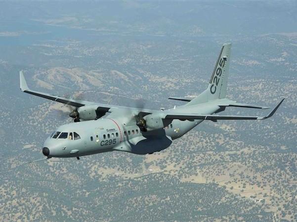 Không quân Philippines tiếp nhận máy bay vận tải C295 thứ 3 ảnh 1