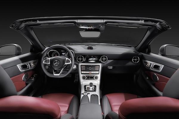 Chiêm ngưỡng ảnh đẹp long lanh của Mercedes SLC 2017 mui trần ảnh 2