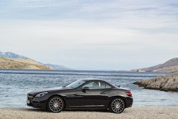 Chiêm ngưỡng ảnh đẹp long lanh của Mercedes SLC 2017 mui trần ảnh 4