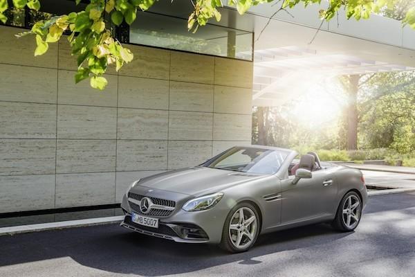 Chiêm ngưỡng ảnh đẹp long lanh của Mercedes SLC 2017 mui trần ảnh 8