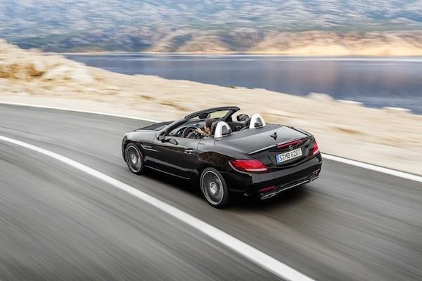 Chiêm ngưỡng ảnh đẹp long lanh của Mercedes SLC 2017 mui trần ảnh 5