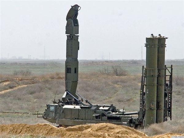 Hệ thống tên lửa phòng không S-300 của Armenia
