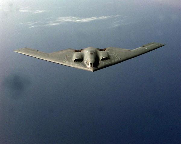 """Máy bay ném bom B-2 của Mỹ có biệt danh là """"bóng ma"""" vì khả năng tàng hình ưu việt"""