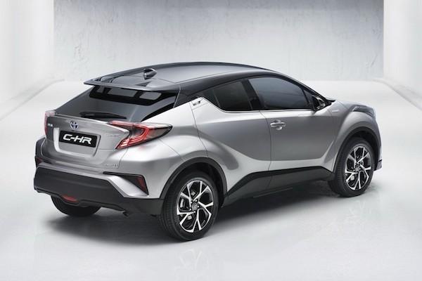 Toyota C-HR mới lộ diện với thiết kế lạ mắt ảnh 3